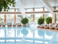 Sonnenalp-Resort_Pool-im-Sommer_Hochformat