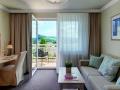z-breitenstein_zimmer_wohnbereich_hotel_almesberger