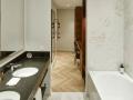 Andaz-Deluxe-Suite-Bathroom-with-Walkin-Wardrobe