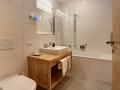 badezimmer_mit_badewanne