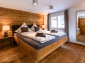 komfort_doppelzimmer_im_berghaus_altes_schulhaus_c_patrick_saely_hotel_montafoner_hof