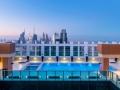 Sheraton-Grand-Dubai_Rooftop-Pool.jpg