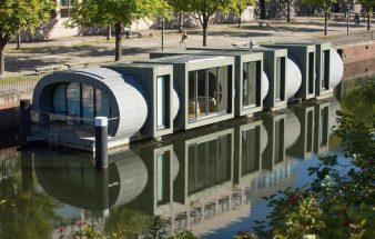 Schwimmendes Hotel aus Blech – Schwan
