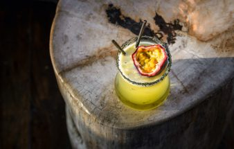 Signature-Cocktails fröhlich und farbenfroh