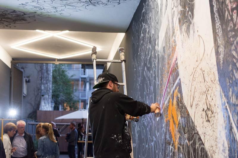 Graffiti BOLD-Hotels_BOLD-meets-Urban-Art_Patrick-Hartl-in-Akion_6_graffiti