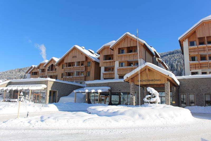 Dachsteinkoenig frontansicht_im_winter_leading_family_hotel_resort_dachsteinkoenig