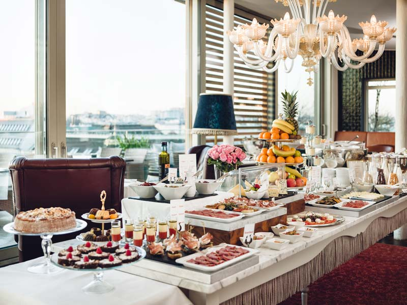 16_Grand_Etage_Breakfast_c_WeitzerHotesls