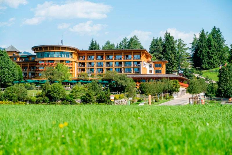 Sonnenalp-Resort_Aussenansicht-(5)