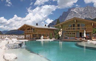 Naturnahes Baden im Tiroler Chaletdorf