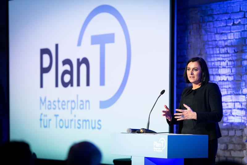 Nachhaltigkeitsministerin-Elisabeth-Koestinger